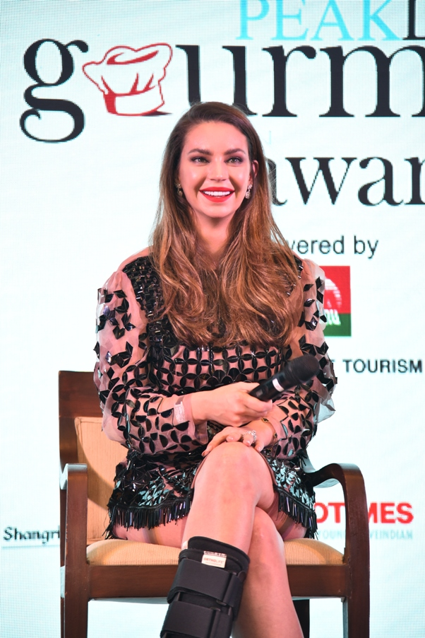Cover Launch with International celebrity Chef Sarah Todd